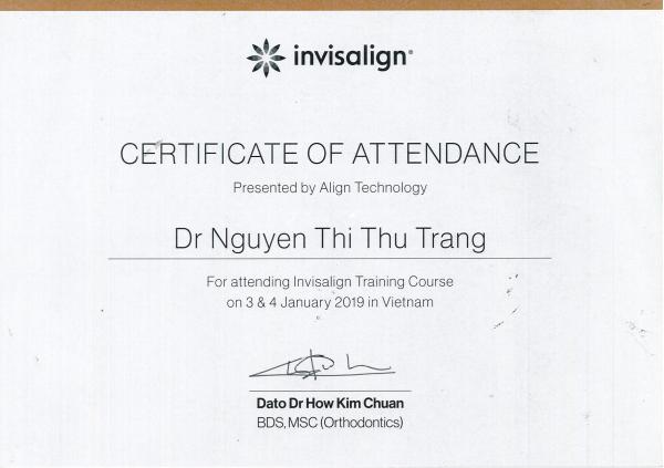 Chứng chỉ niềng răng không mắc cài của bác sĩ Trang