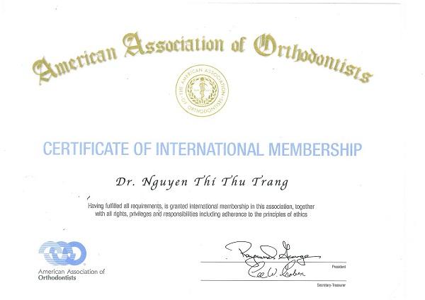 Bác sĩ trang nha khoa Lạc Việt